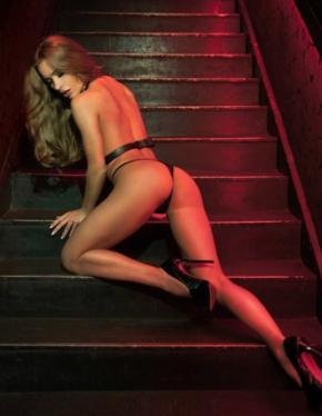 Young nude women lesian videos